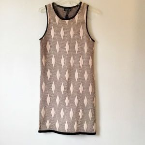 Topshop Dresses - Topshop Pink Geometric Bodycon Dress Size 6